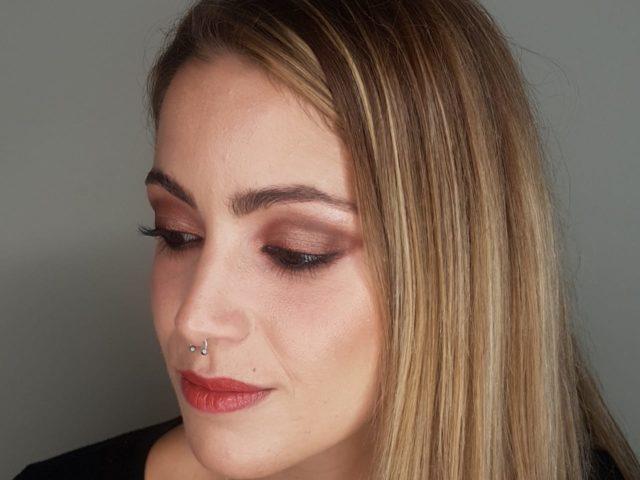 Maquillaje Monocromático en Tonos Corales